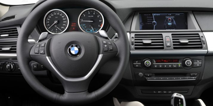 2010-bmw-x6-activehybrid-interior