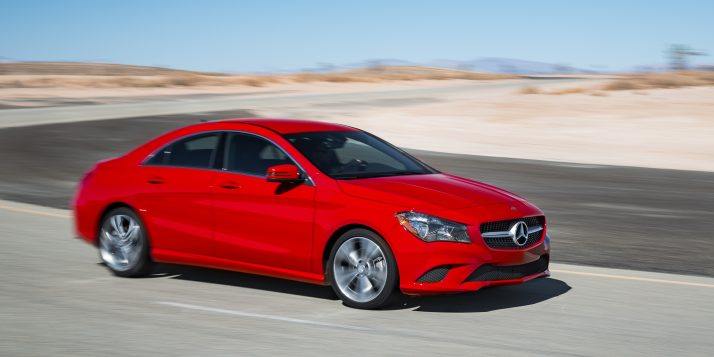 2014-mercedes-benz-cla-250-side-in-motion