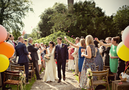Where to tie Love Knot? City Wedding Or Countryside Wedding