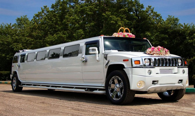 The 10 Best Wedding Stretch Limos