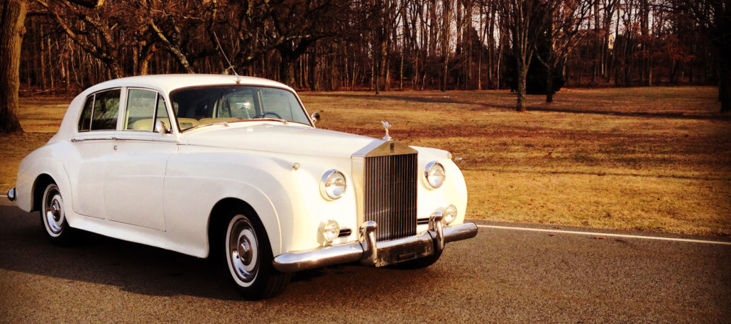 Choosing the right wedding car for your theme